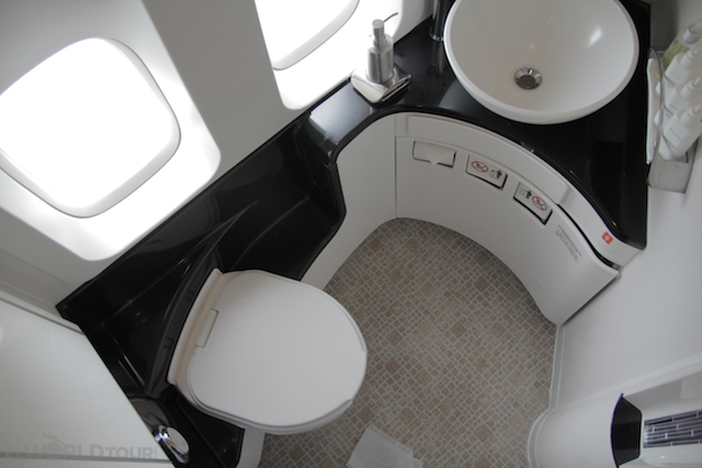 Lisa Lubin photo of 1st Class bathroom