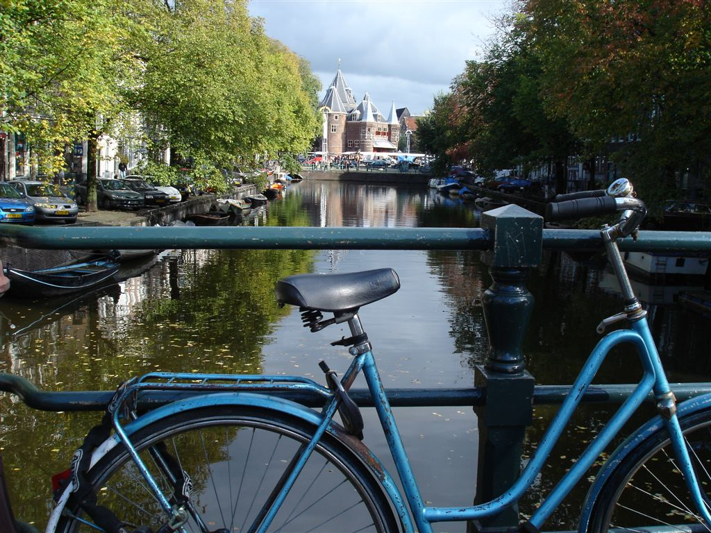 bike and a canal in Amsterdam