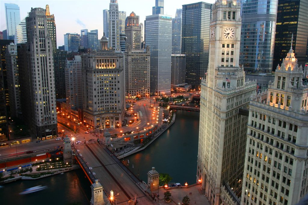 Chicago River - Michigan and Wacker