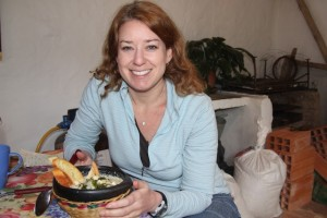 Lisa Lubin eats Changua