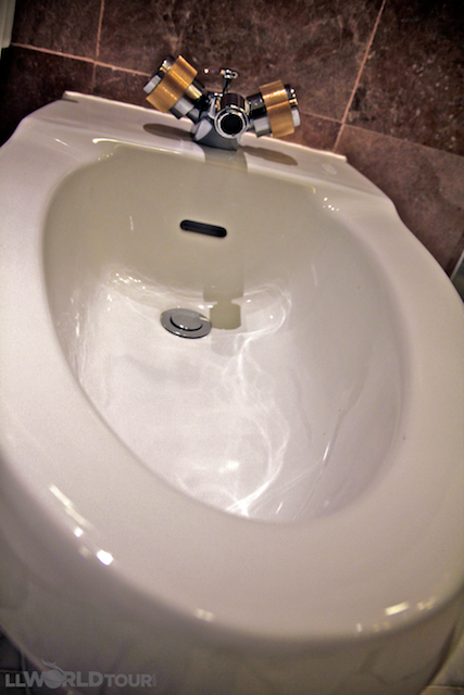 Sensational Big On Bidets What Is A Bidet How To Use A Bidet Gmtry Best Dining Table And Chair Ideas Images Gmtryco