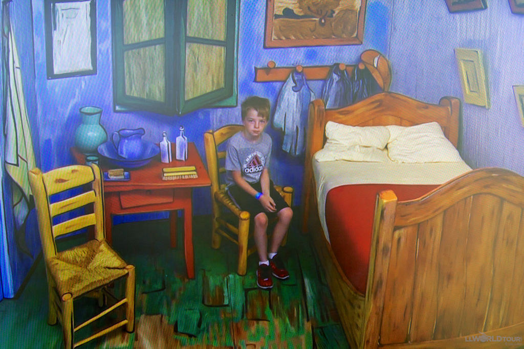Inside Van Gogh's room