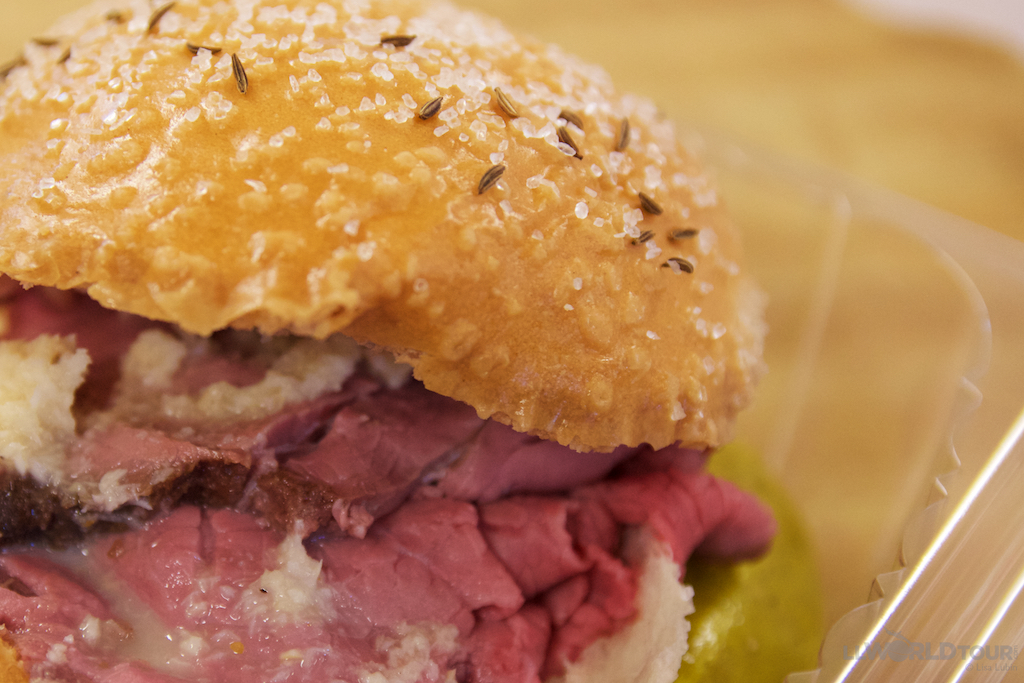 What is a beef on weck